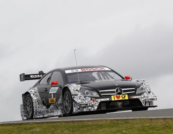 DTM-Premiere für Vitaly Petrov bei Testfahrten in Portimao / Portugal