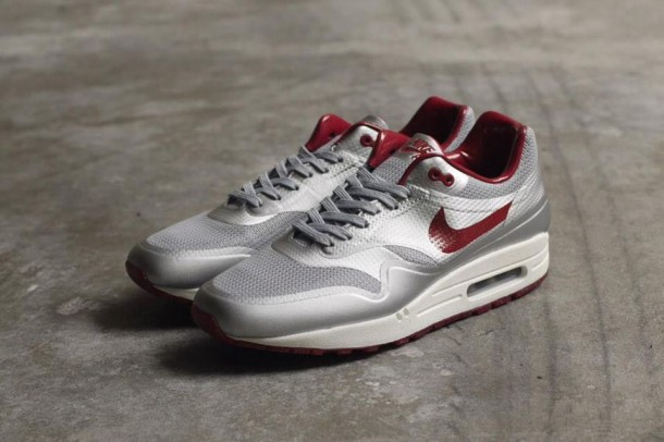 "Die coolsten Sneaker - Nike Air Max 1 Hyperfuse Qs ""Night Track"""