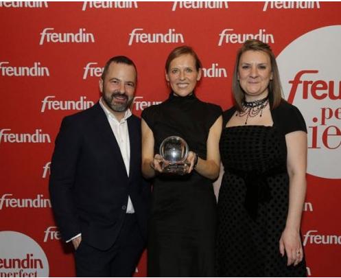 Lands´ End Trenchcoat wird mit dem perfect piece Award der Zeitschrift freundin ausgezeichnet