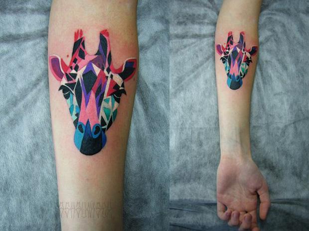 Künstler im Fokus | Tattoos von Sasha Unisex – Abstrakte Sphären