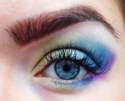 Styling- und Beauty-Tipp Berlin – Augen Makeup Tutorial | Rainbow Eye