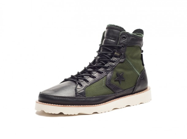 Die coolsten Sneaker 2014: Undefeated x Converse pro Field Hi-Black/Rifle