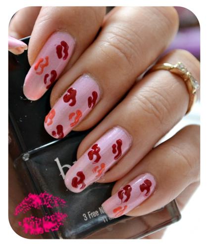 Manicure Monday | NAIL TUTORIAL #Kisses