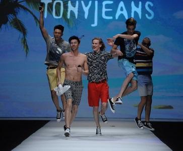 Shanghai Fashion Week April 2014 präsentiert – Tony Wear, nur für Ihn – SS14