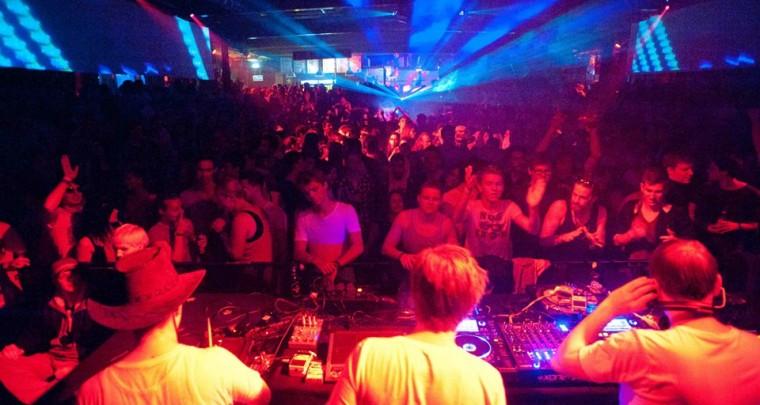 Veranstaltungstipp München   Superrave am 28. Mai @ Backstage