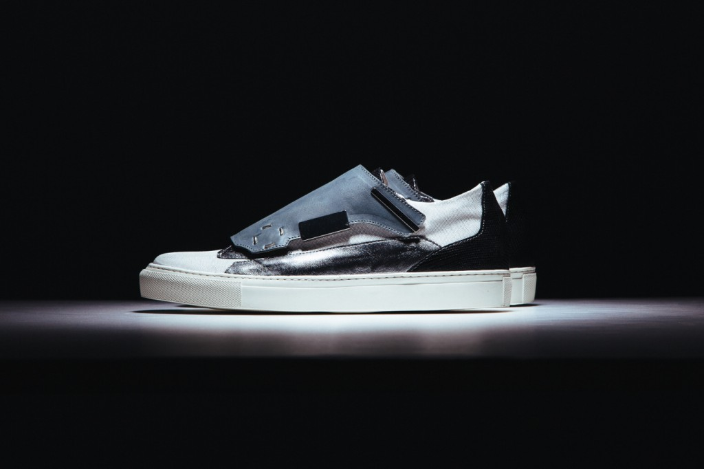 raf-simons-2014-spring-summer-removable-lace-guard-sneaker-1