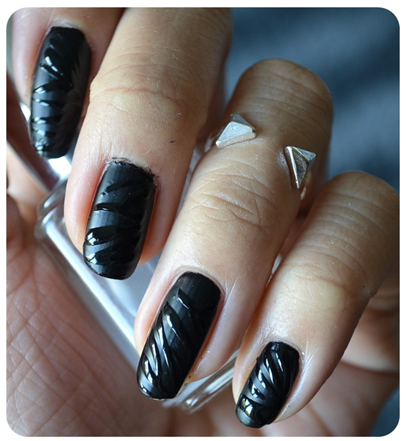 black zebra nails 3