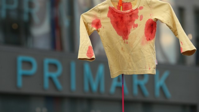 NEWS: Eingenähter Hilferuf im Primark-Kleid