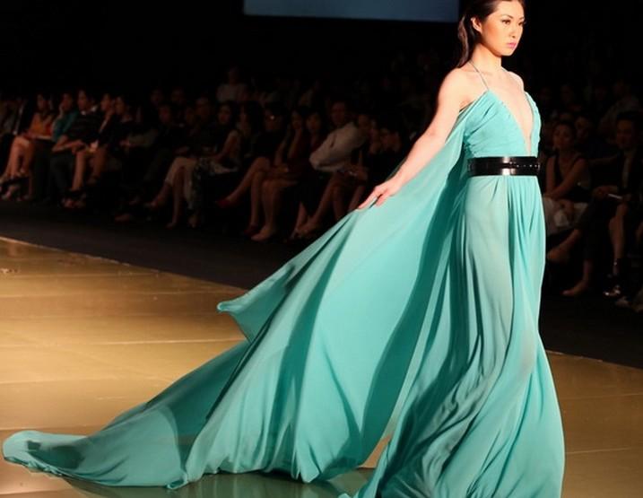 Canada Philippine Fashion Week Juni 2014 präsentiert – Noel Crisostomo, für Sie
