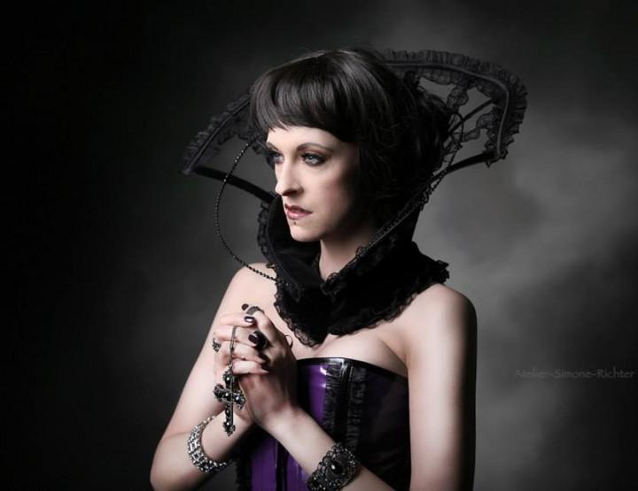VDMD Secret Fashion Show presenta a nova Claudia Sagurna | Sottu Silver Dark