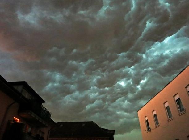 NEWS: Passt auf, es sind Unwetter unterwegs