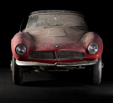 """Sonderausstellung """"Elvis' BMW 507: lost & found"""" im BMW Museum"""