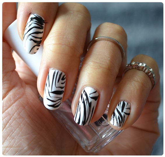 Manicure Monday | NAIL TUTORIAL #WhiteZebraNails