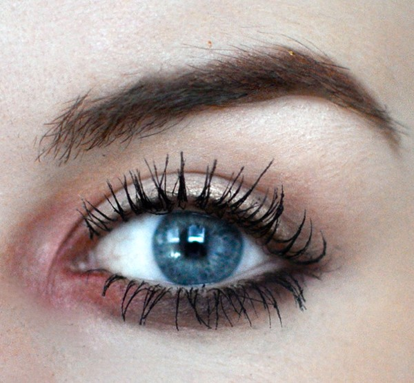 Styling- und Beauty-Tipp Berlin | Smokey Lash Line Cranberry & Black