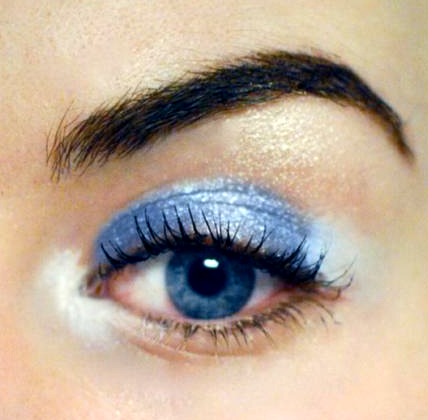 Styling- und Beauty-Tipp Berlin | Ice Blue & White Make-up