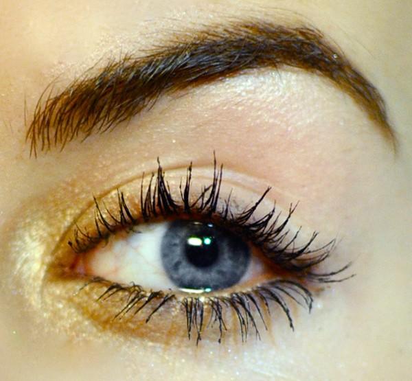 Styling- und Beauty-Tipp Berlin | Golden Glow Make-up