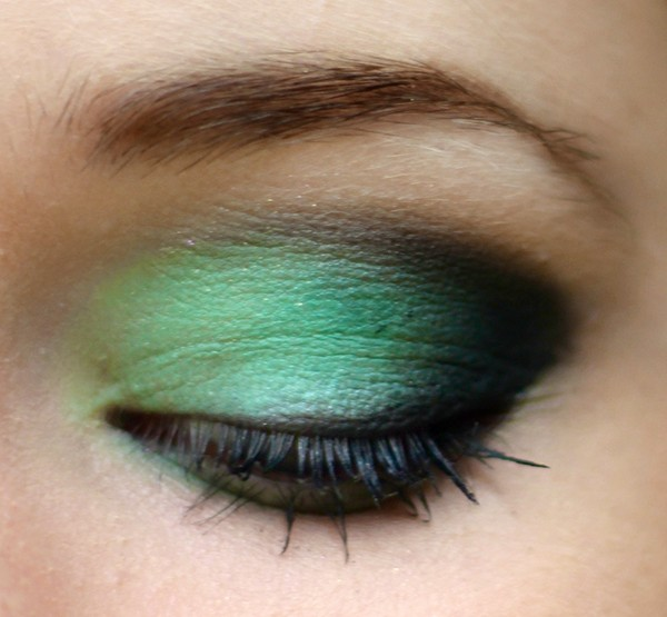 Styling- und Beauty-Tipp Berlin | Green & Black Make-up