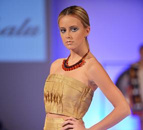 Couture Fashion Week New York September 2014 präsentiert –Ikali Sukhalu, für Sie