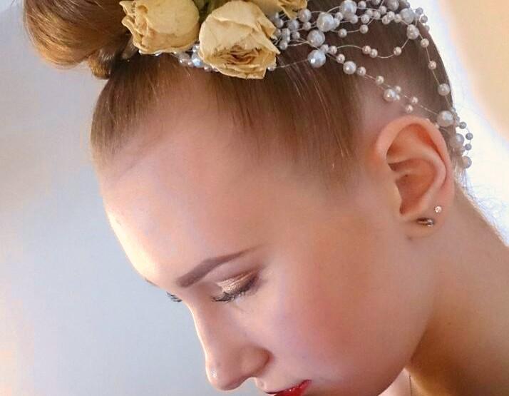 Living Facesi meigikunstnike kool Berliinis: ettevalmistamine pruudi moeshow jaoks