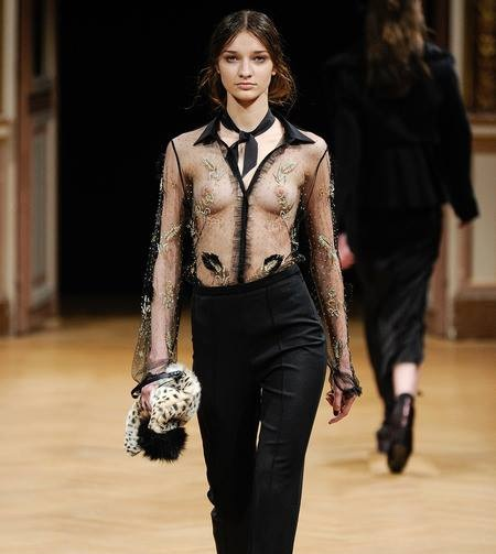 Paris Fashion Week, September/Oktober 2014 präsentiert – Sharon Wauchob, für Sie - HW 14/15