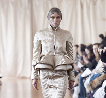 Paris Fashion Week, September/Oktober 2014 präsentiert – Corrie Nielsen, für Sie - HW14