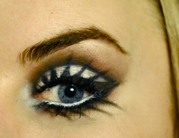 Styling and Beauty Tip Berlin | Halloween Makeup: Barbie inspired Doll Eyes