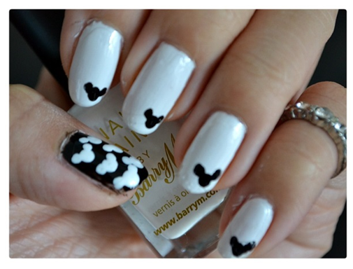 Manicure Monday | NAIL TUTORIAL #MickyMouse