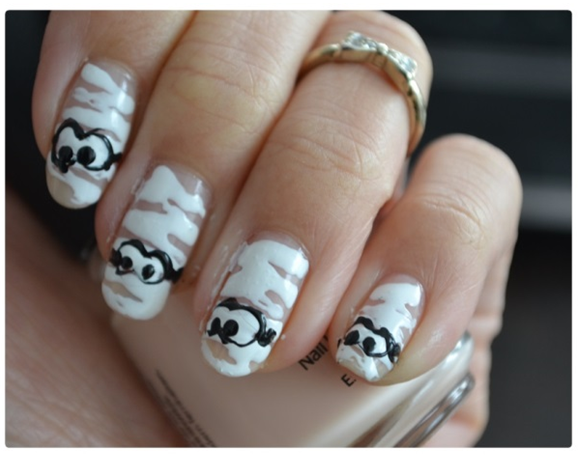 Manicure Monday | Nail Tutoial - Halloween Edition #Mummified
