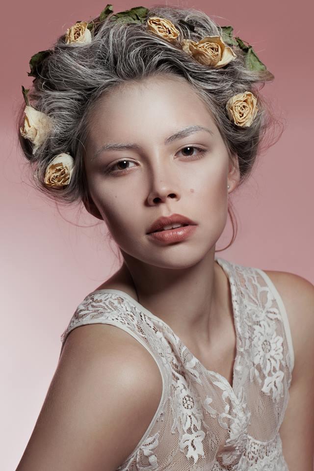 Hair & Make-up: Elisa Rasp