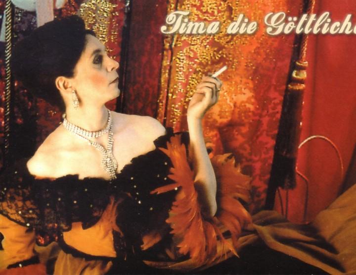 Must-See: Tima the Divine - l'arte travestita più fine