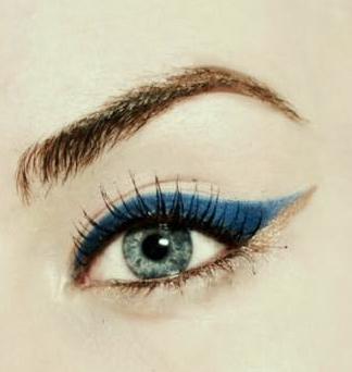 Stiletta è bellezza punta Berlinu | Eyeliner Blue & Gold