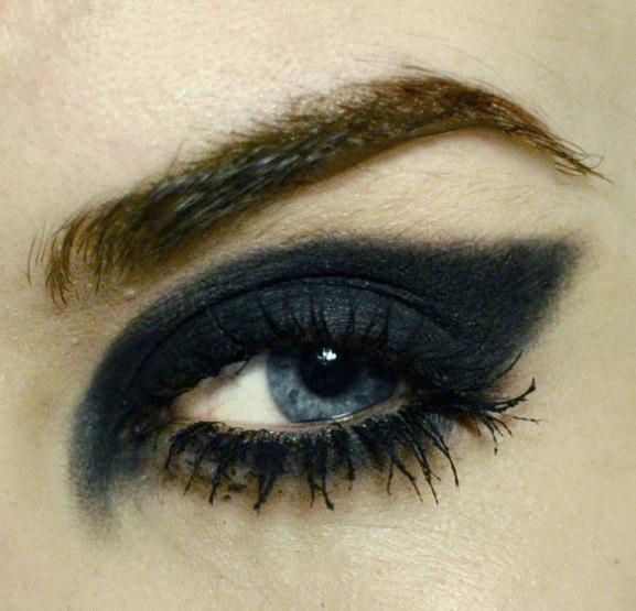 Styling- und Beauty-Tipp Berlin | Bold Cat Eye & Lashes