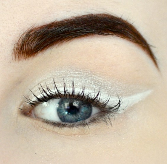 Styling- und Beauty-Tipp Berlin | White & Silver Cat Eye