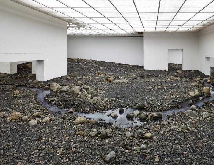 Keskendumine kunstnikule: Olafur Eliasson - jõesäng toas
