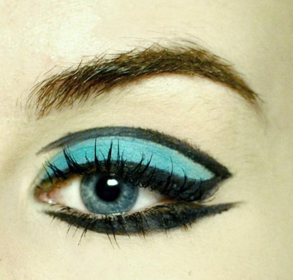 Styling- und Beauty-Tipp Berlin | Unique Turquoise Eyeliner Look
