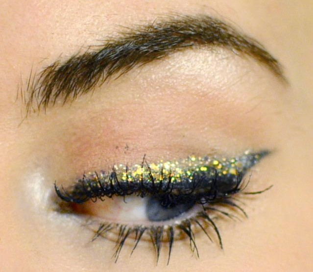 Styling- und Beauty-Tipp Berlin | Glitter Holiday Eyeliner