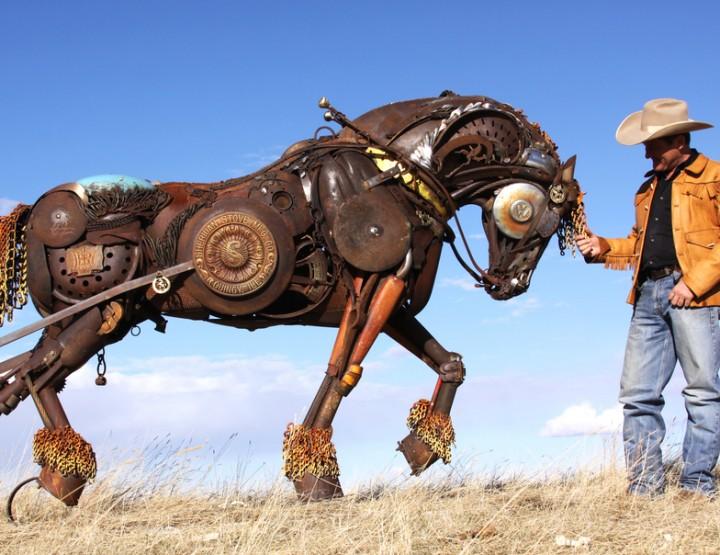 Künstler im Fokus: John Lopez' Metallene Fauna - Tiere aus Ketten, Zahnrädern und Motoren