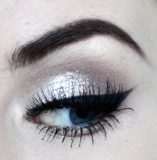 Styling- und Beauty-Tipp Berlin | NYE Silver Cat Eye