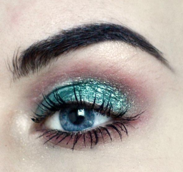 Styling- und Beauty-Tipp Berlin | Metallic Christmas Smokey Eye
