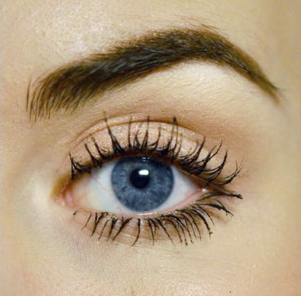 Styling and Beauty Tip Berlin | 4 tricks that will make your eyes look bigger