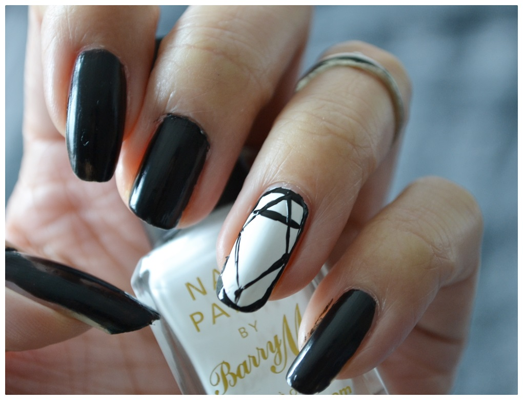 NAIL TUTORIAL Schwarz-weißer Diamant | Read-The-Trieb