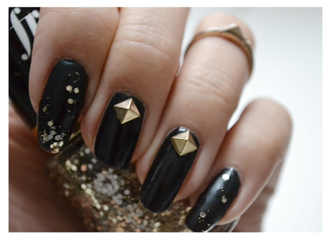 Manicure Monday | NAIL TUTORIAL #Golden Studs and Glitter Nails