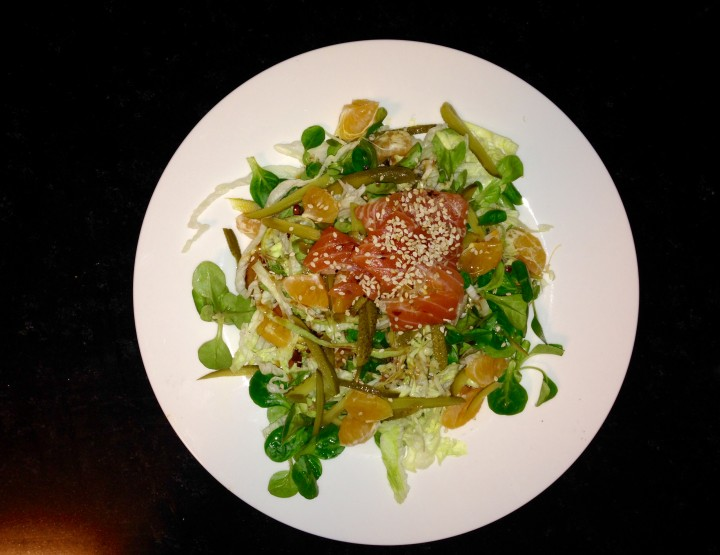 Healthy Lifestyle – Salad of the Week: with Asian Salmon