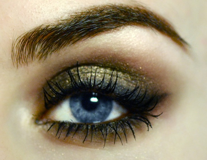 Styling- und Beauty-Tipp Berlin | Khaki Smokey Eye