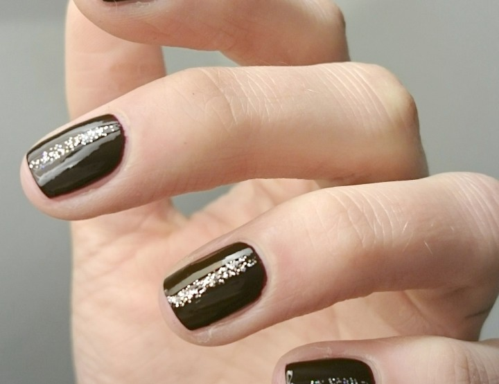 Manicure Monday | Little Sparkling Tip Painter