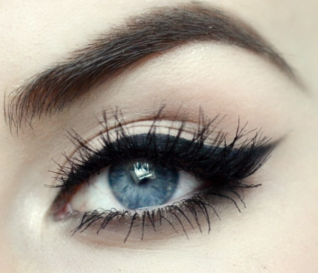 Styling- und Beauty-Tipp Berlin | Pin-up Cat Eyeliner