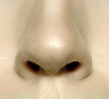 Styling- und Beauty-Tipp Berlin | Nase verkleinern ohne Schönheits-OP