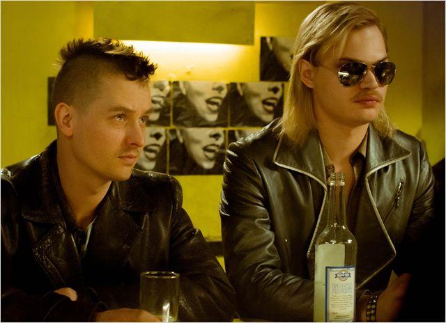 Kinotipp: Tod den Hippies, es lebe der Punk! Tom Schilling mal wieder in einer Berlin Komödie