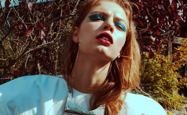 Basseiniseanss - Stefanie Barzi valge õhupalli kleit