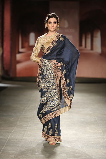 Anju Modi Fur Sie Lakme Fashion Week 2015 Read The Trieb